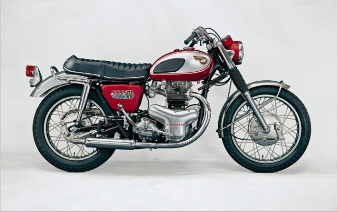 تاریخچه کاواساکی . موتورسیکلت W1کاواساکی